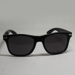 Retro Fashion Men's Women's Classic Polarized UV400 Sunglasses - Black