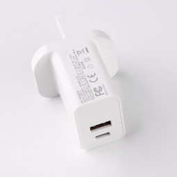 UK Standard 20W Quick Charger Head Type C and USB 3.0 Interface